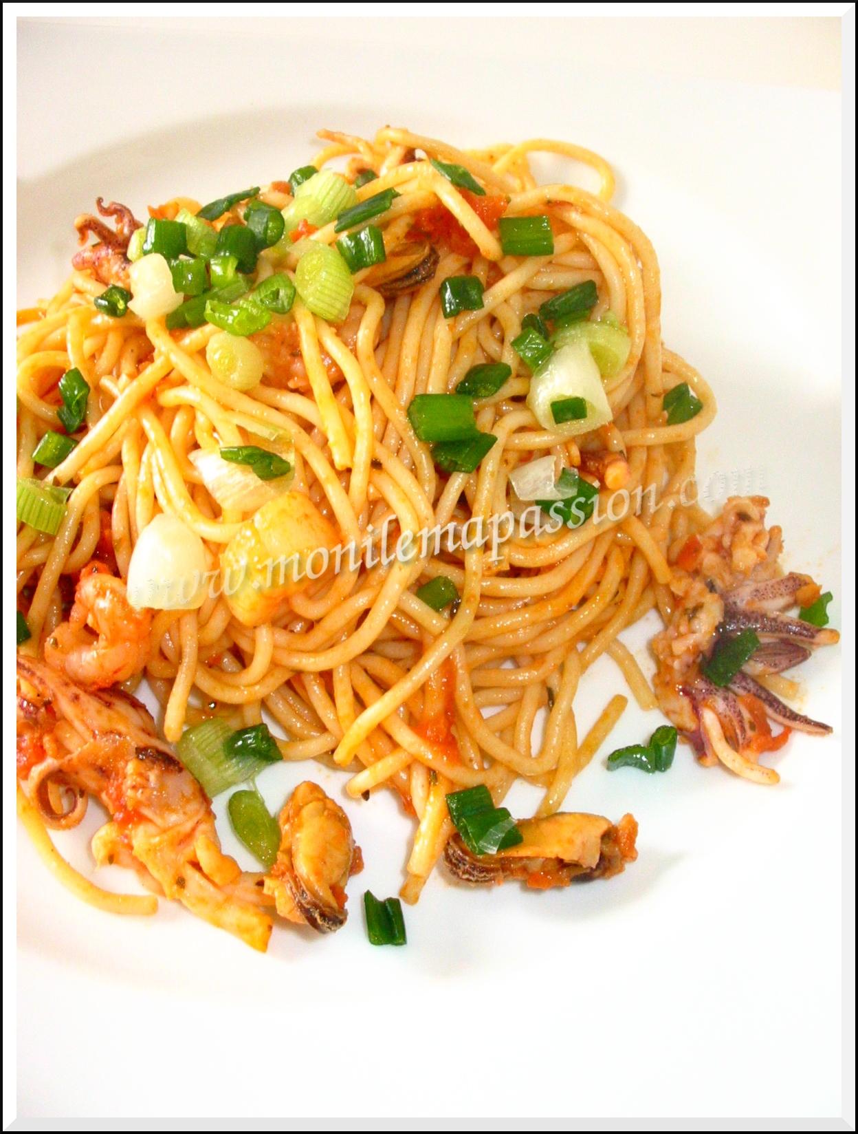 Spaghetti aux fruits de mer et à l'ail