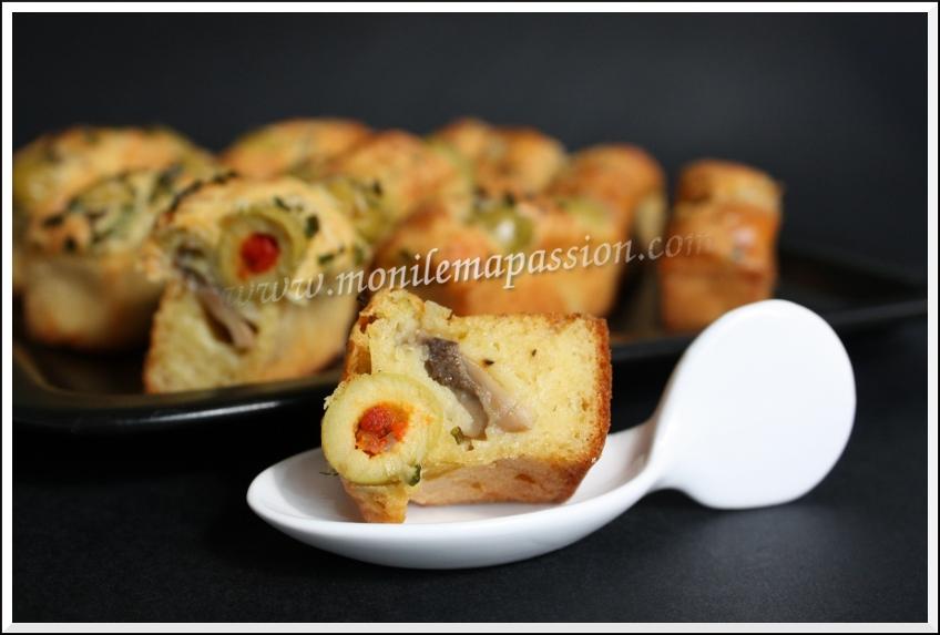 Cake champignons, olives et coeurs d'artichaut