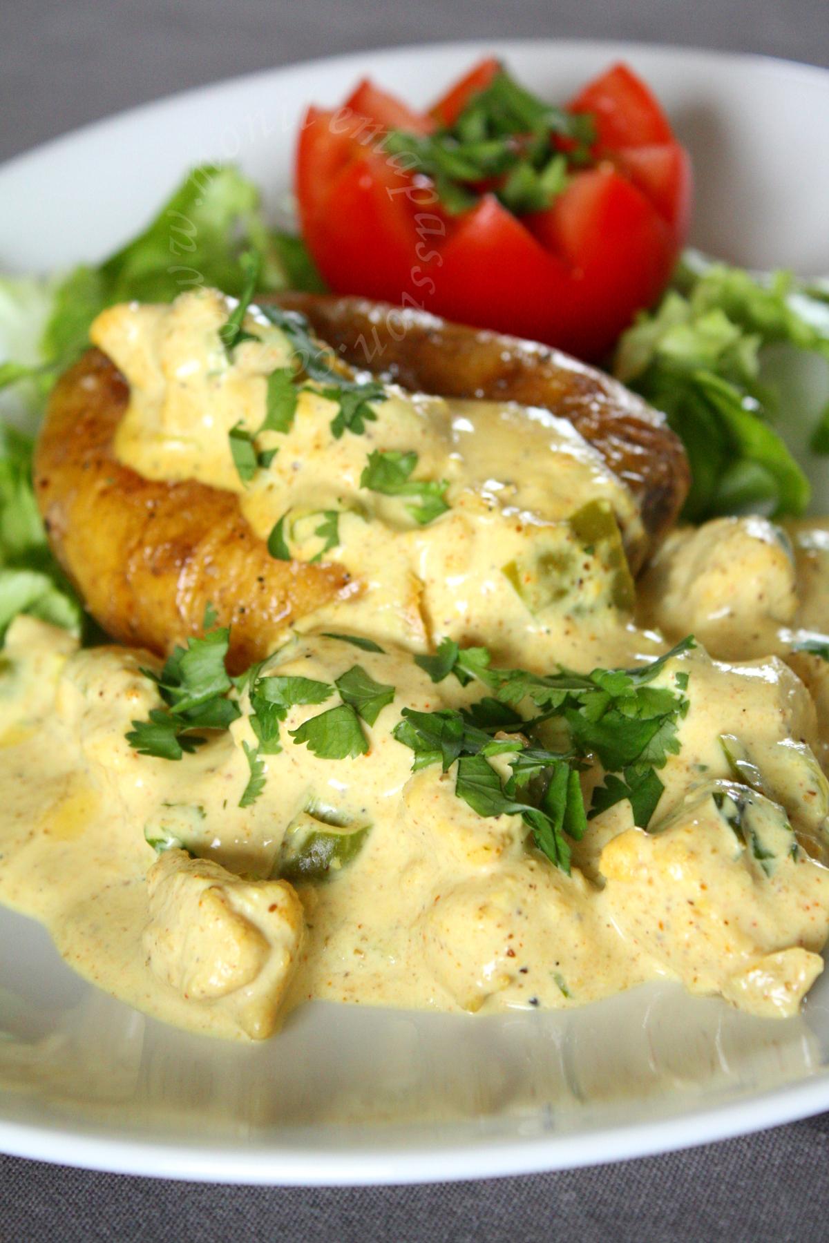 Poulet au curry et pomme de terre rôtie - Twice baked potato & chicken curry