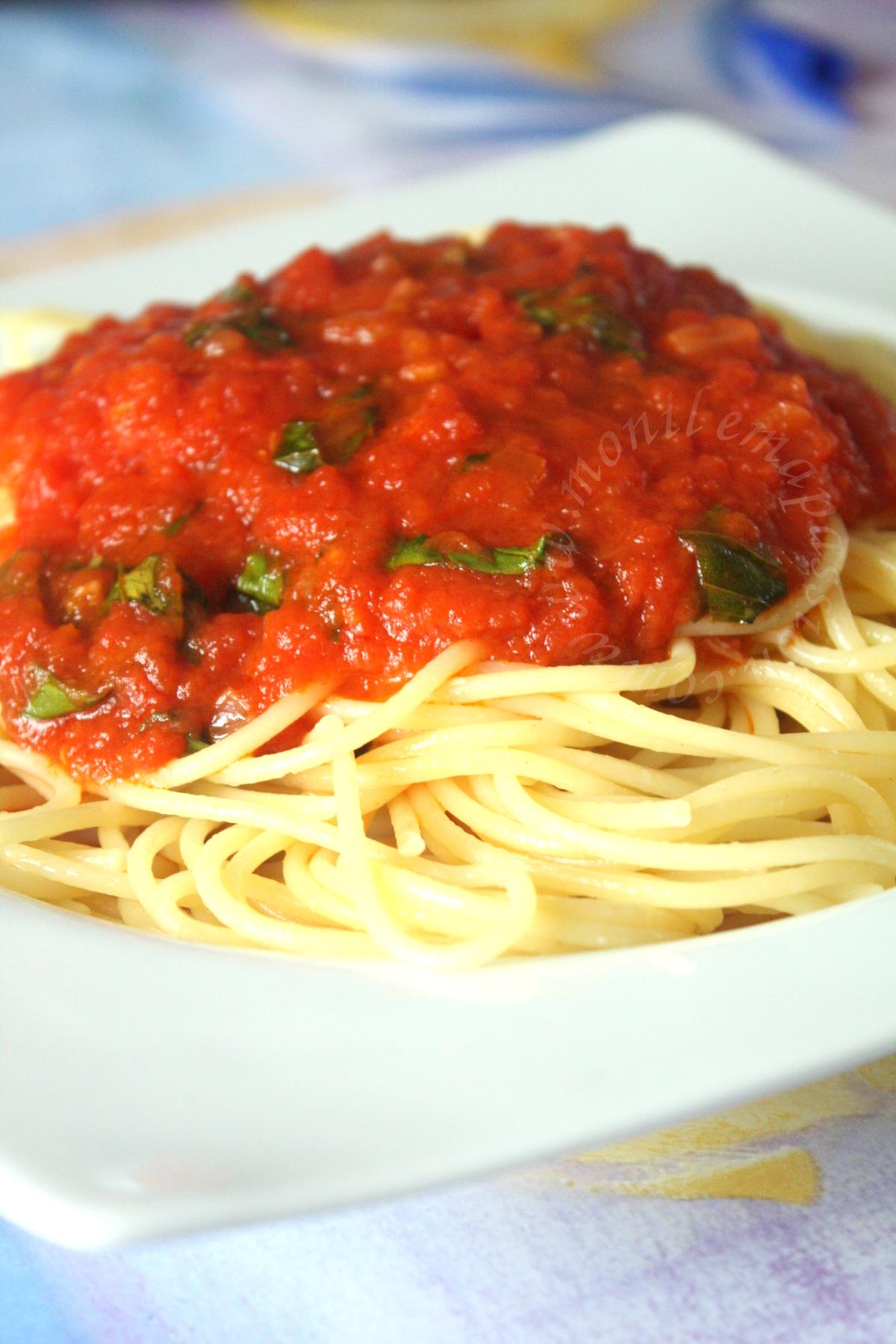 Sauce tomate au basilic – Basil tomato sauce