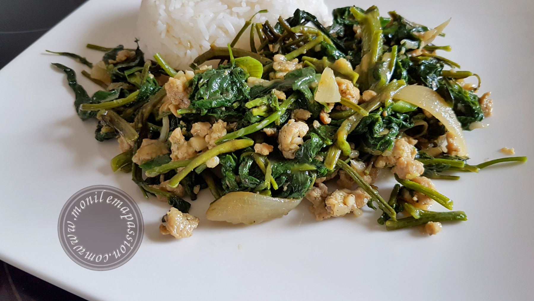 Sauté de liseron d'eau au poulet / Chicken Water Spinach Stir Fry
